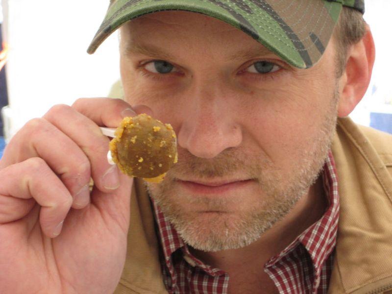 Ежегодный американский фестиваль поедания яичек
