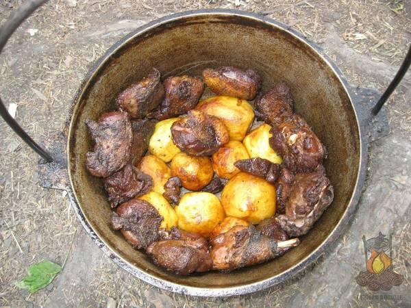 Еда, приготовленная в походе, всегда вкуснее