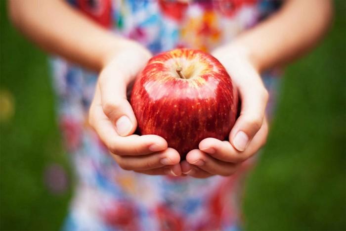 Необычное применение обычного яблока в быту