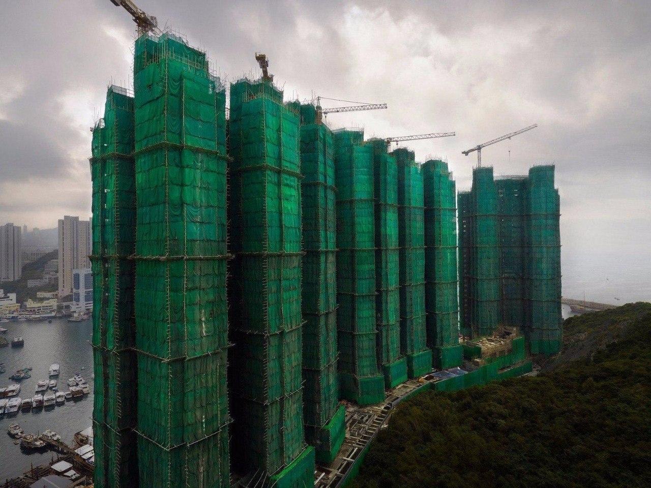 Реконструкция зданий в Гонконге