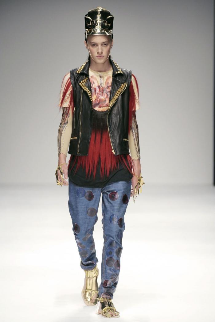 Современная жуткая мода от Katie Eary