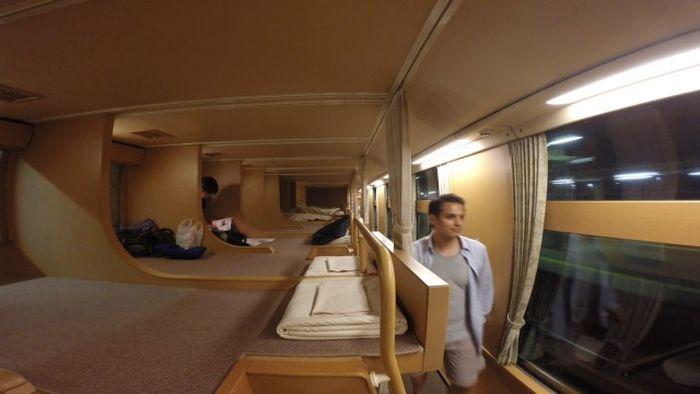 Вагоны-спальни японских экспресс-поездов