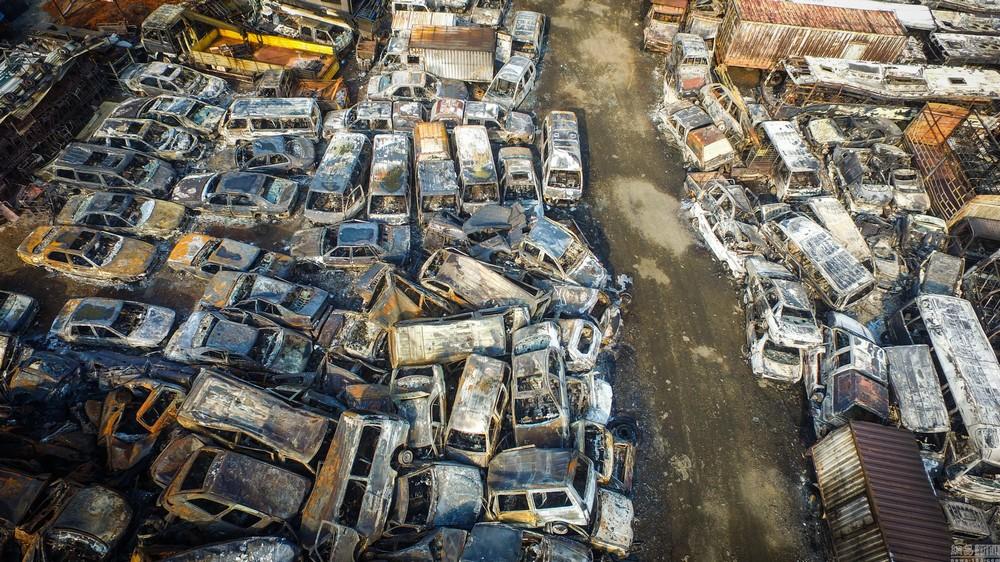 Пожар на китайской парковке уничтожил 6000 автомобилей