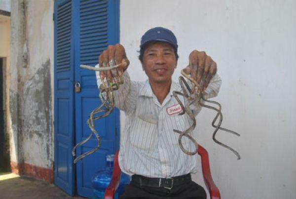 Вьетнамец не обрезал ногти больше 35 лет
