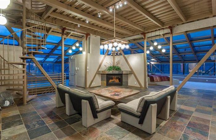 В Аризоне продают самый высокий в мире особняк
