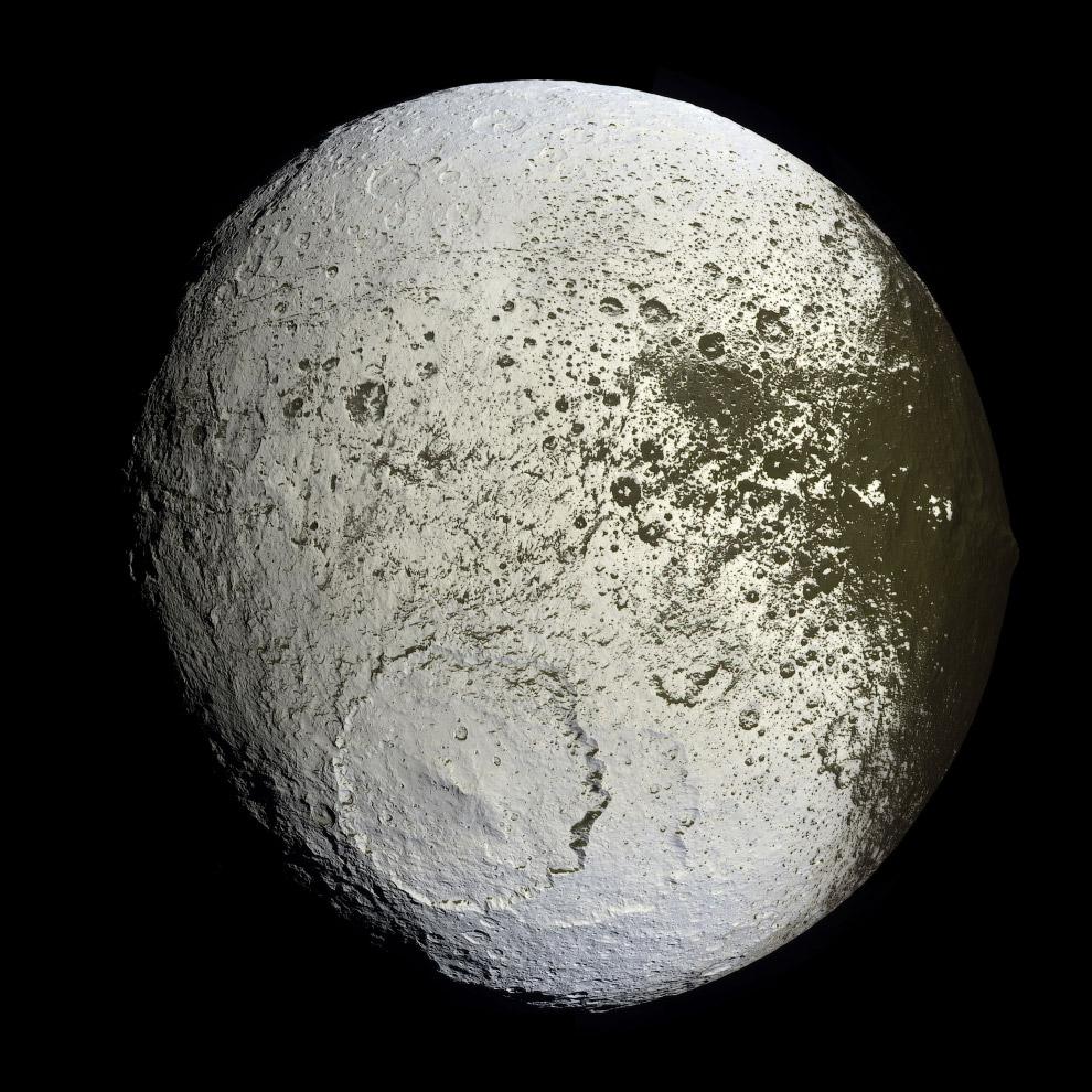Сатурн в объективе межпланетной станции Cassini