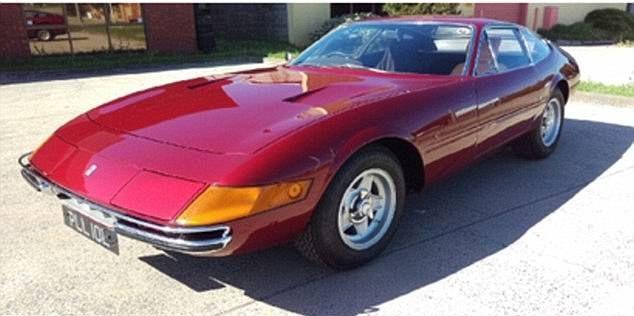 Наркоманы угнали и сожгли два редчайших Ferrari