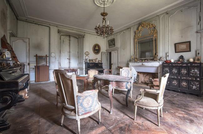 Прогулка по заброшенному дому во Франции