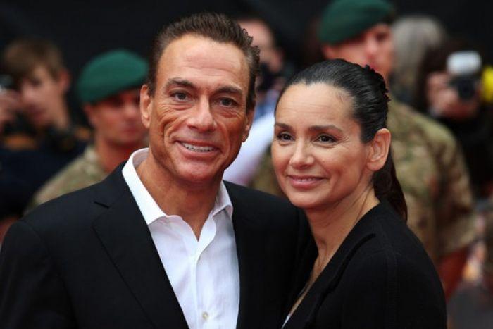 Женщины актеров из крутых боевиков