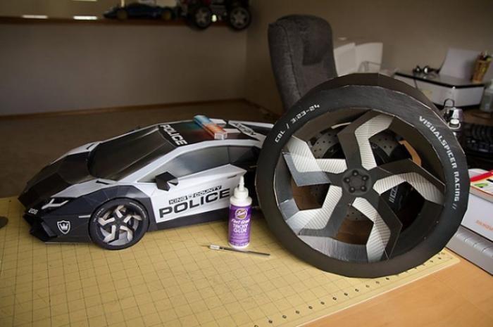 Бумажная модель Lamborghini огромного размера