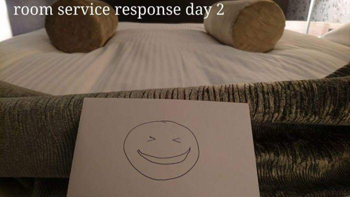 Необычное общение постояльца гостиницы с горничной