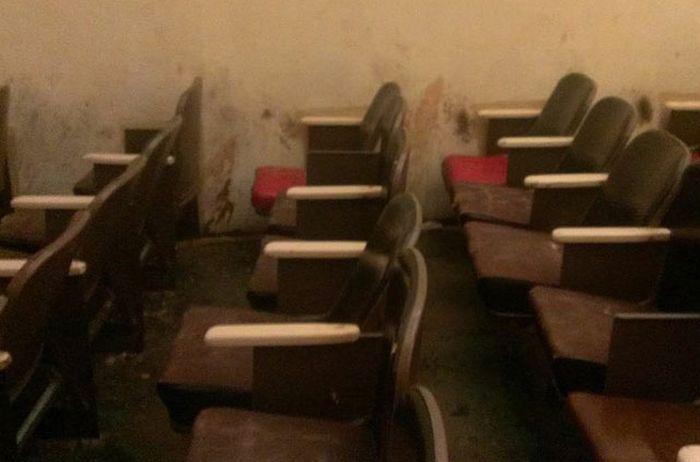 Заброшенный кинотеатр для взрослых в Ванкувере