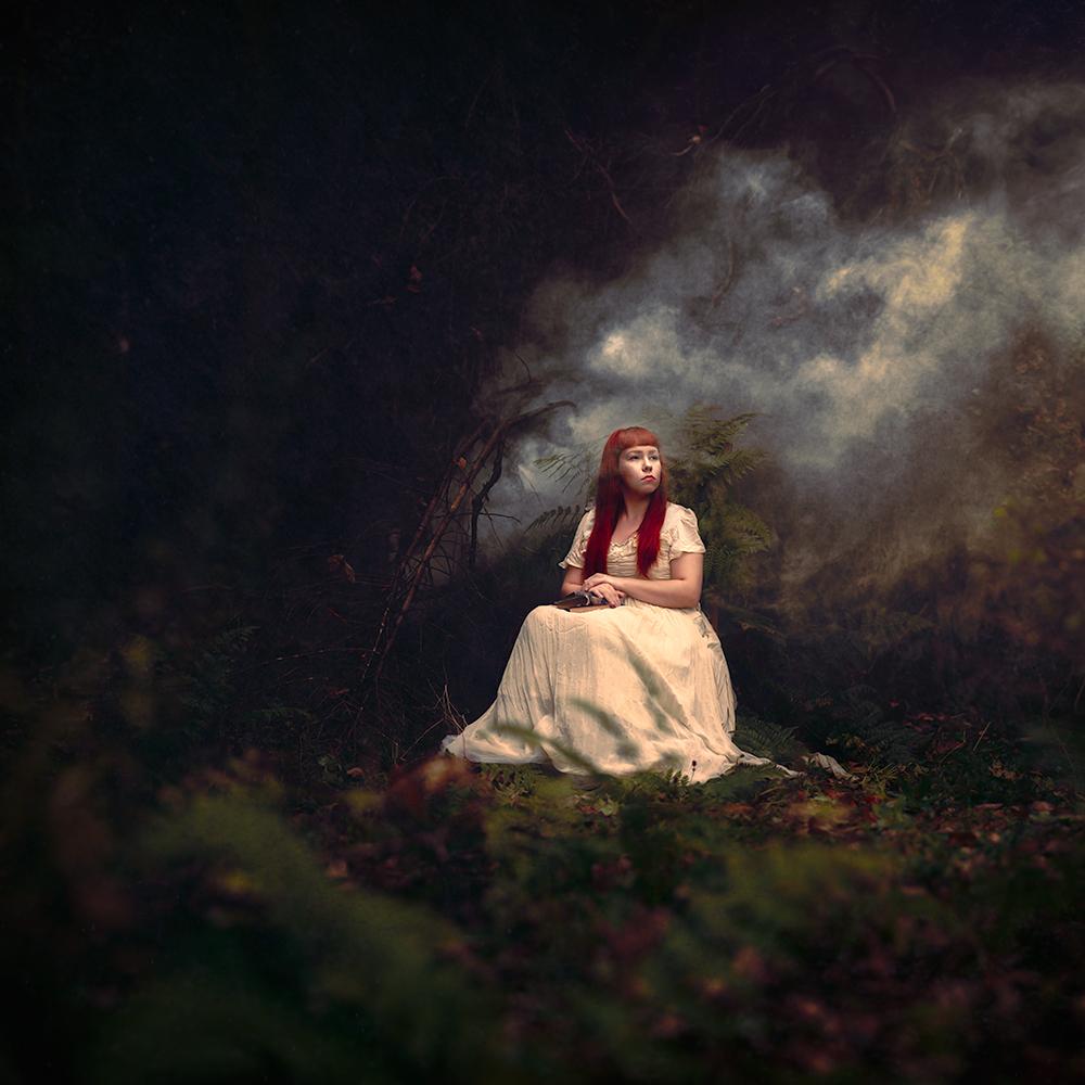 Мрачная сказка на фоне холодных пейзажей Исландии