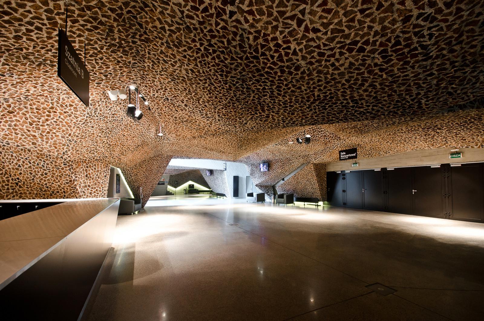 Необычная архитектура концертного зала в Польше