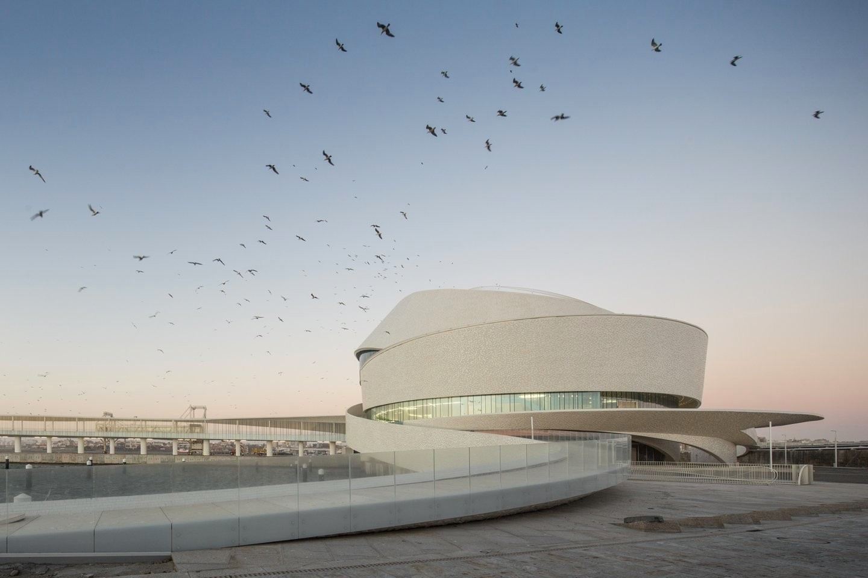 Необычная архитектура круизного терминала порта в Португалии