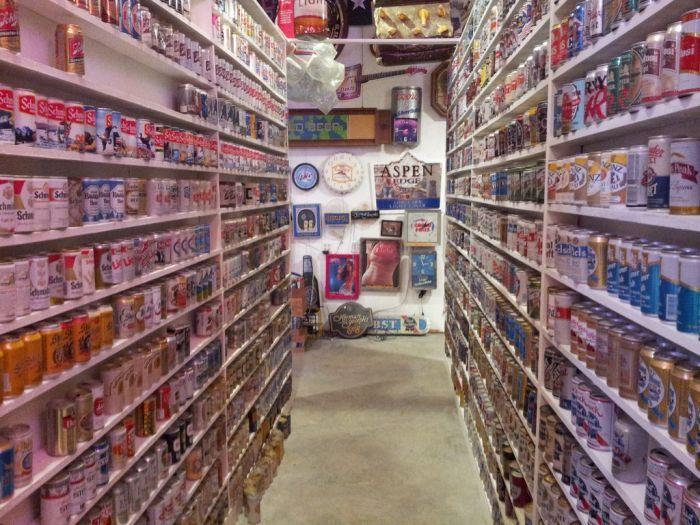 Огромная коллекция пивной атрибутики