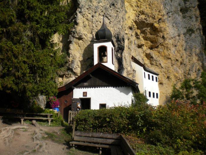 Отставной военный стал смотрителем отдаленного скита в Австрии