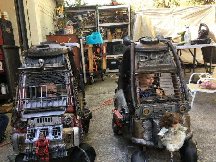 Детские коляски в стиле машин из Безумного Макса