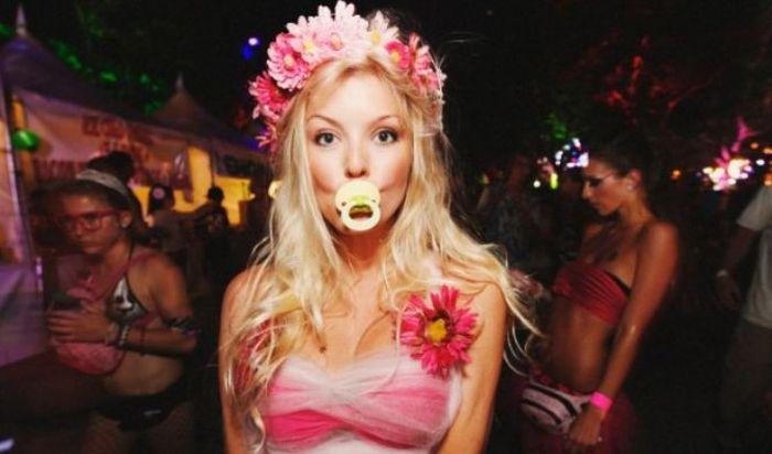 Красивые девушки с рейв фестивалей