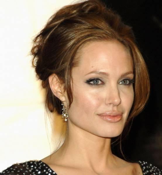 Джулия Робертс стала самой красивой женщиной по версии журнала People