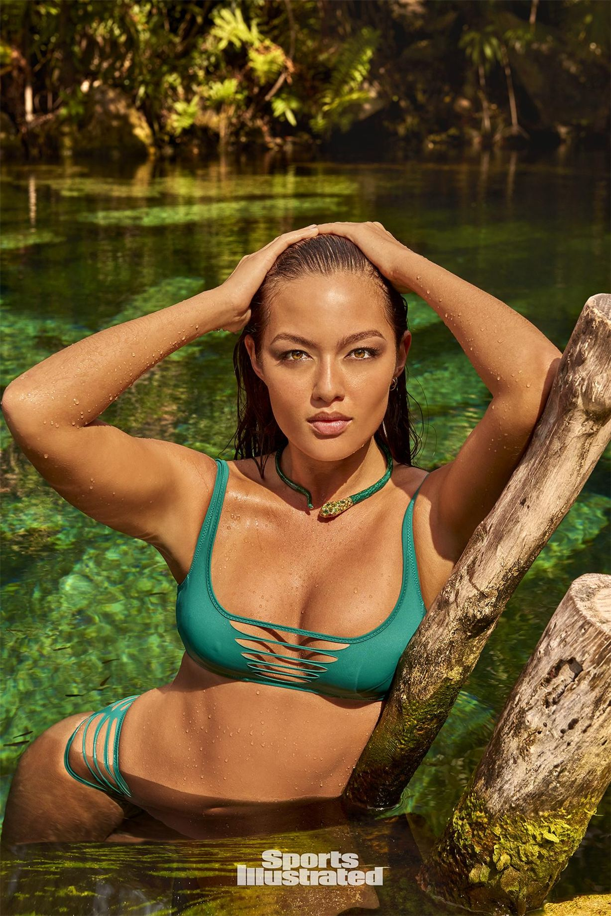 Модель и боец муай тай Мия Кан снялась для журнала Sports Illustrated