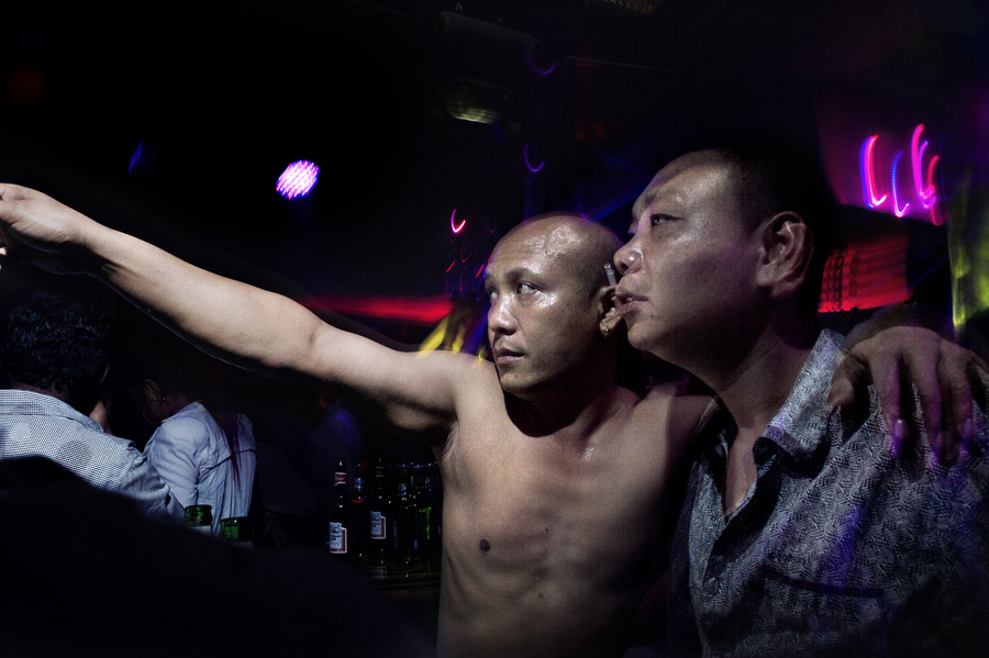 Внутри китайских борделей