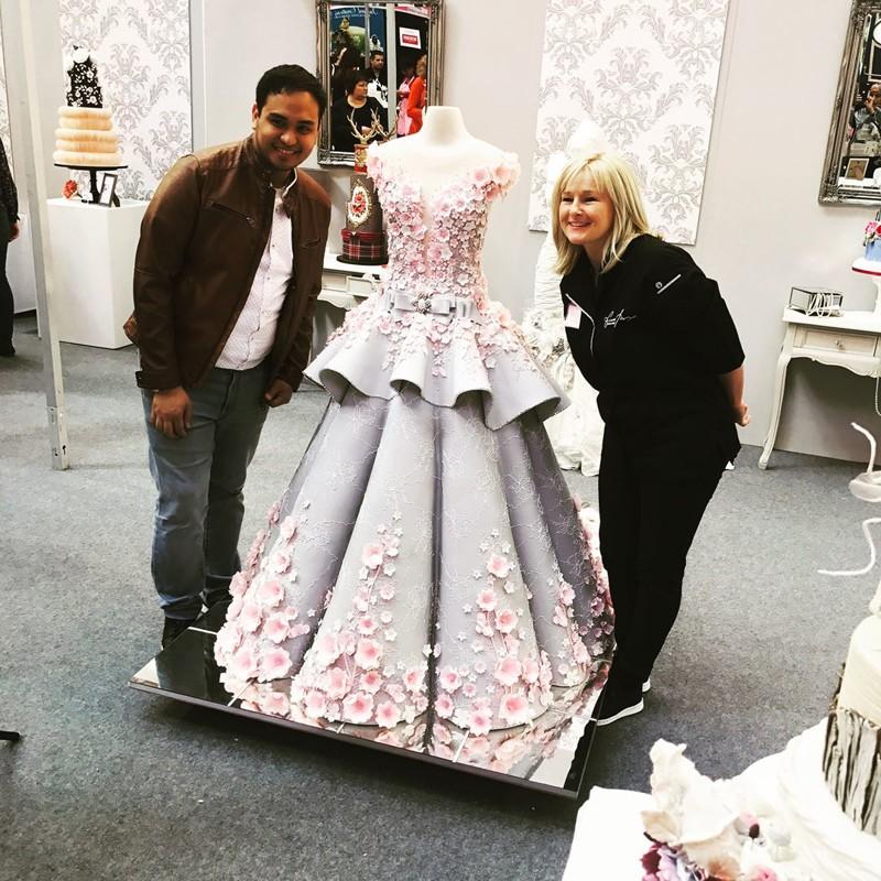 Невероятное свадебное платье-торт