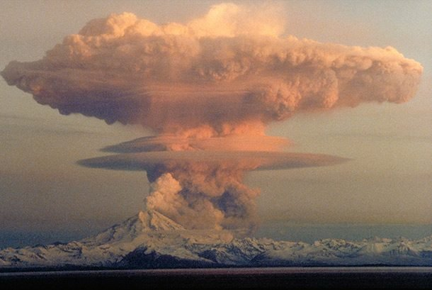 25 фотографий извержений вулканов с высоты