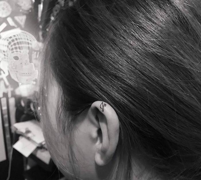 Татуировки на ушах