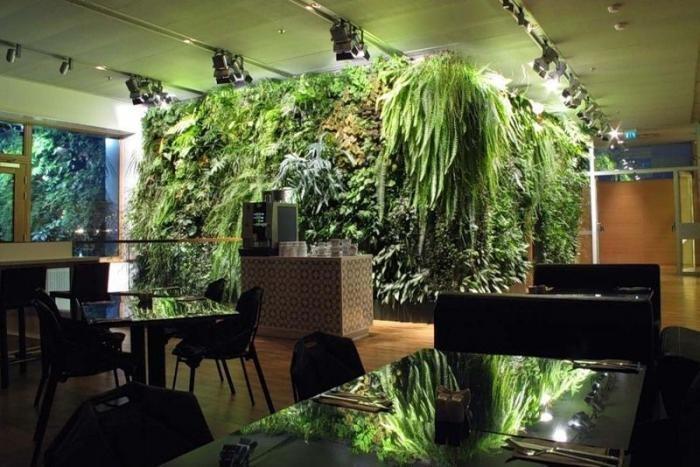 Вертикальные сады внутри и снаружи зданий