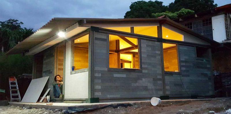 Бюджетный дом из пластика можно построить меньше, чем за неделю