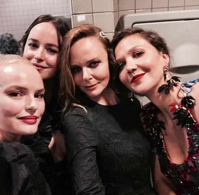 Звездные селфи в туалете Метрополитен-музея на балу Met Gala