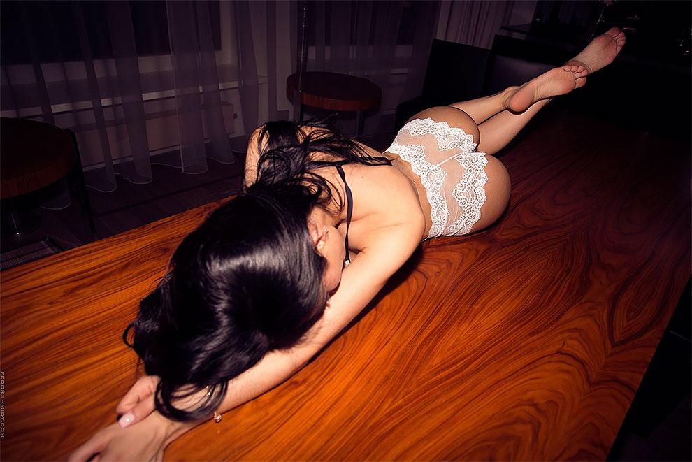 Пикантные снимки девушек от фотографа Фёдора Шмидта