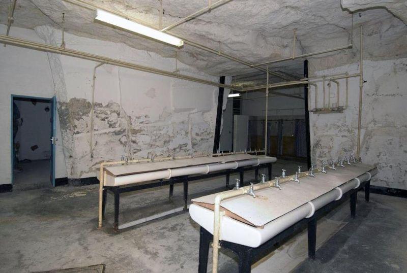 Подземный бункер времени холодной войны, способный вместить 4000 человек