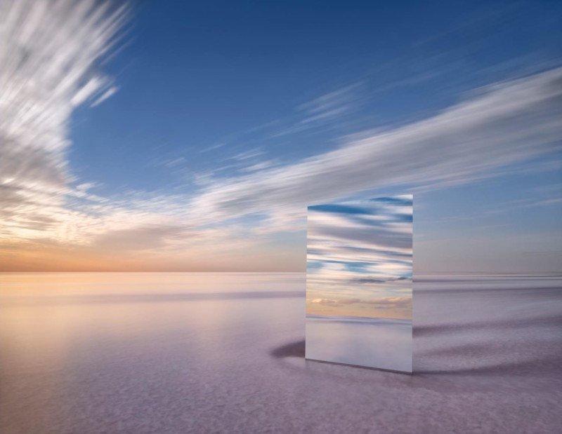 Тщеславие: пейзажи с огромным зеркалом в солончаке