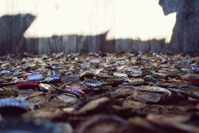 Аллея из бутылочных крышек в Техасе