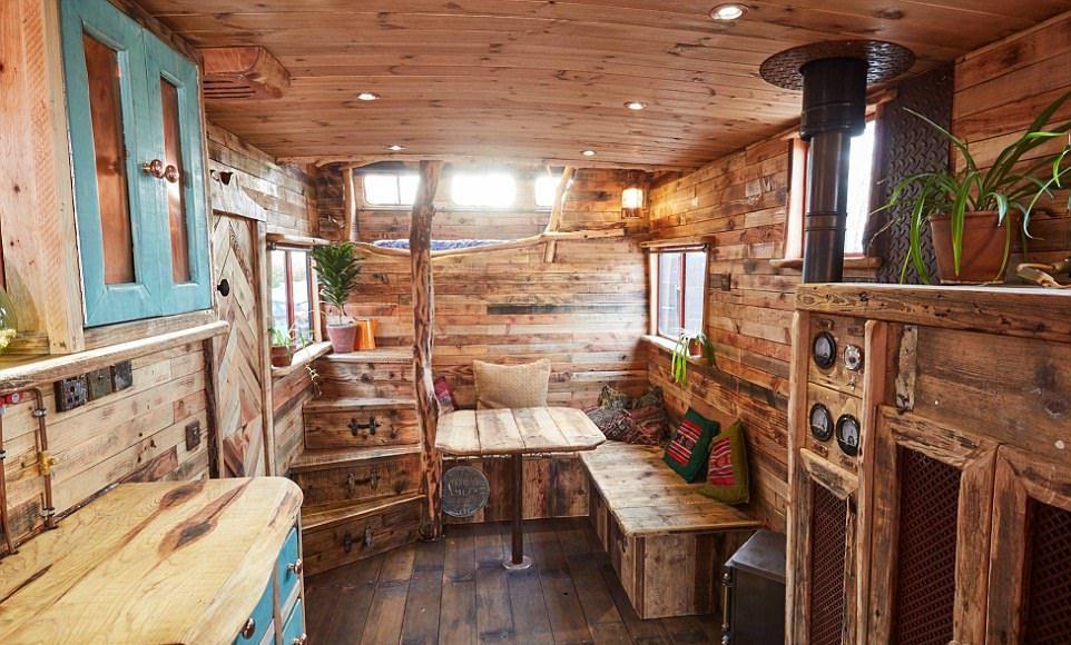 Дома на колесах из фургонов для перевозки лошадей