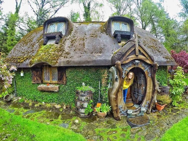 Фанат построил домик хоббита в Шотландии