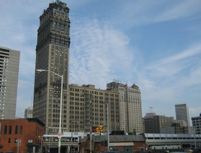 Истории опустевших небоскребов