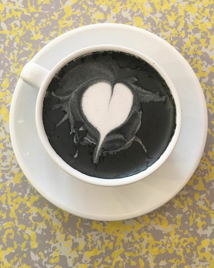 Готичное латте для тёмной души