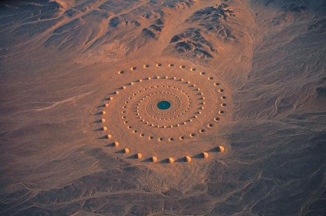 8 самых странных вещей, которые были обнаружены в пустыне