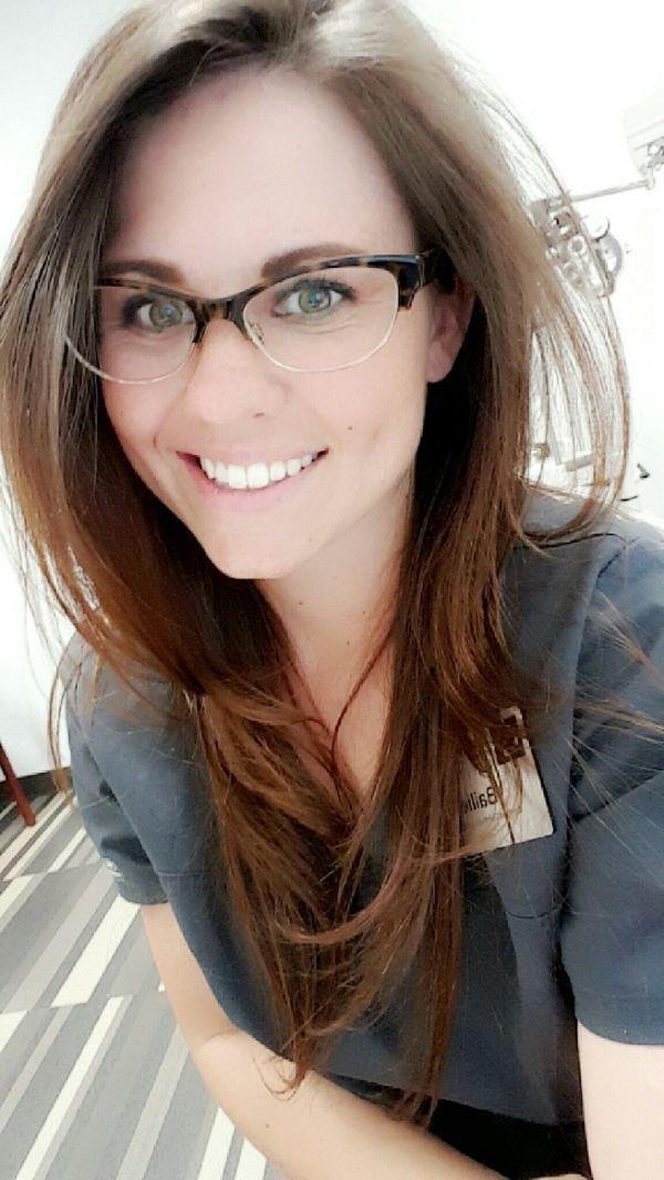 Селфи девушки на работе в офисе без лица работа веб моделью в харькове