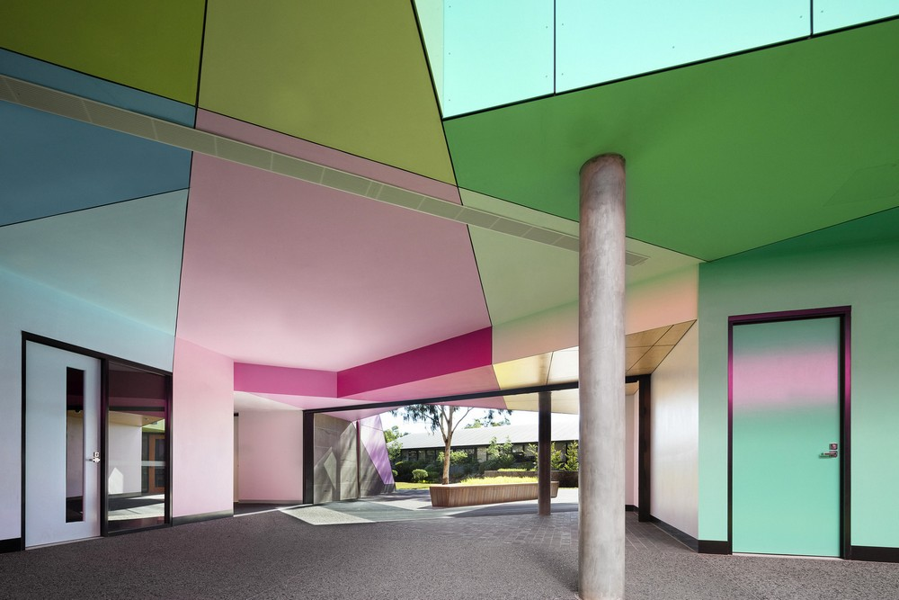 Обновленное здание старшей школы в Мельбурне