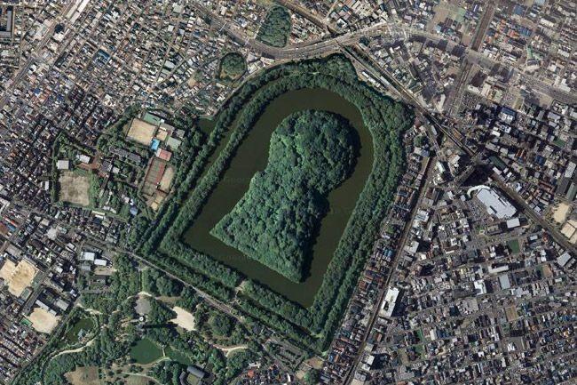 Курган в Осаке - самая большая гробница в мире