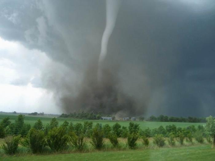 Ураганы и смерчи в фотографиях