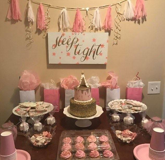 Родители устроили дочери пижамную вечеринку с размахом