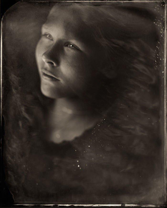 Мрачные портреты детей в технике XIX века