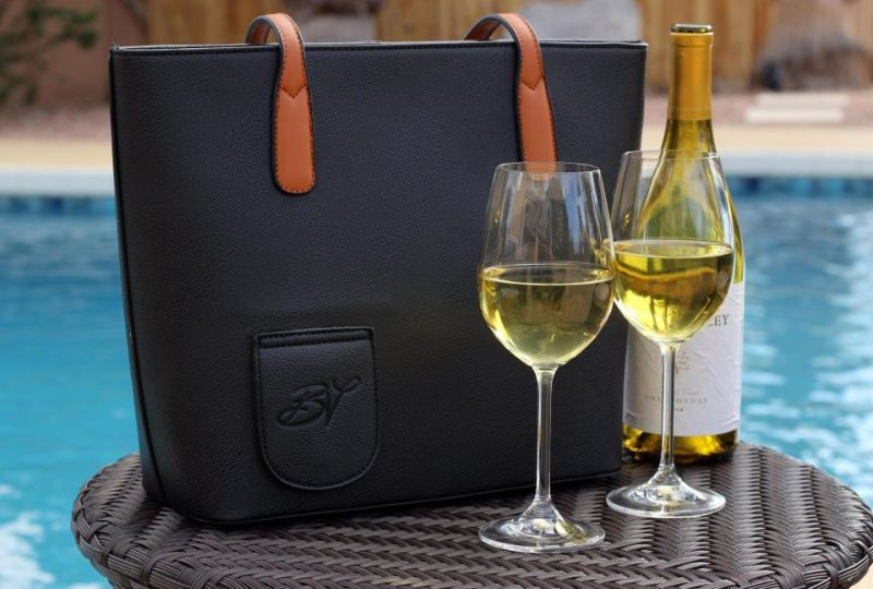 Женская сумочка с небольшим секретом