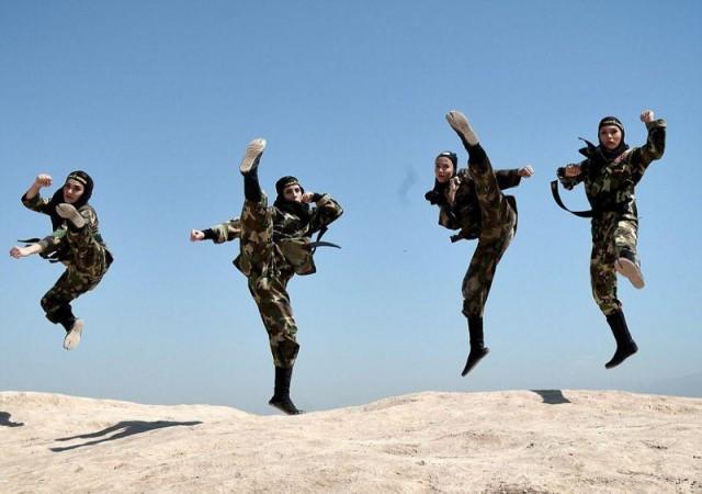На тренировках иранских женщин-ниндзя