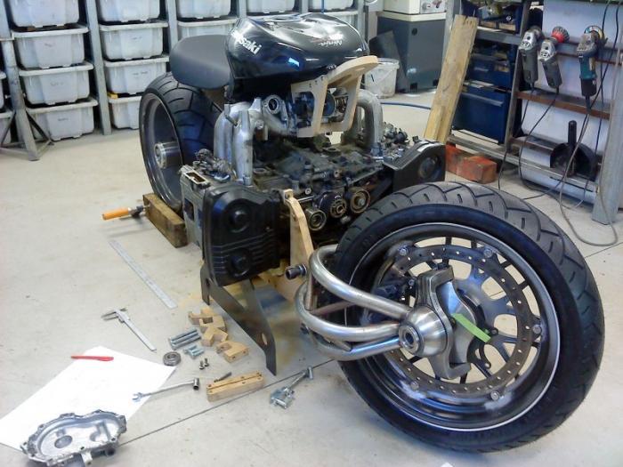 MadBoxer - кастом-байк с двигателем от Subaru WRX